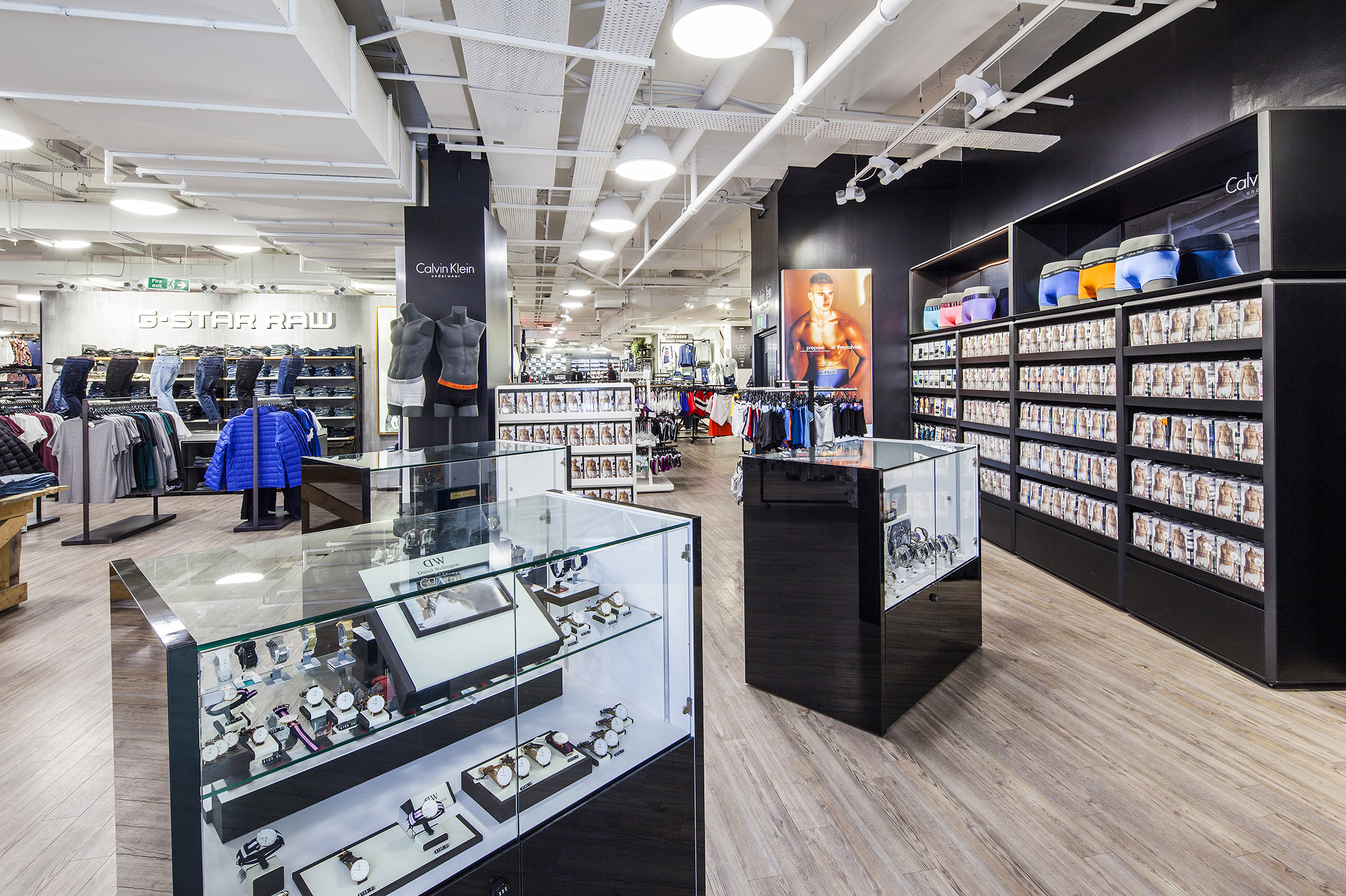 sports direct, shop, shop interior, store interior, sports shop, oxford street, sports direct oxford street